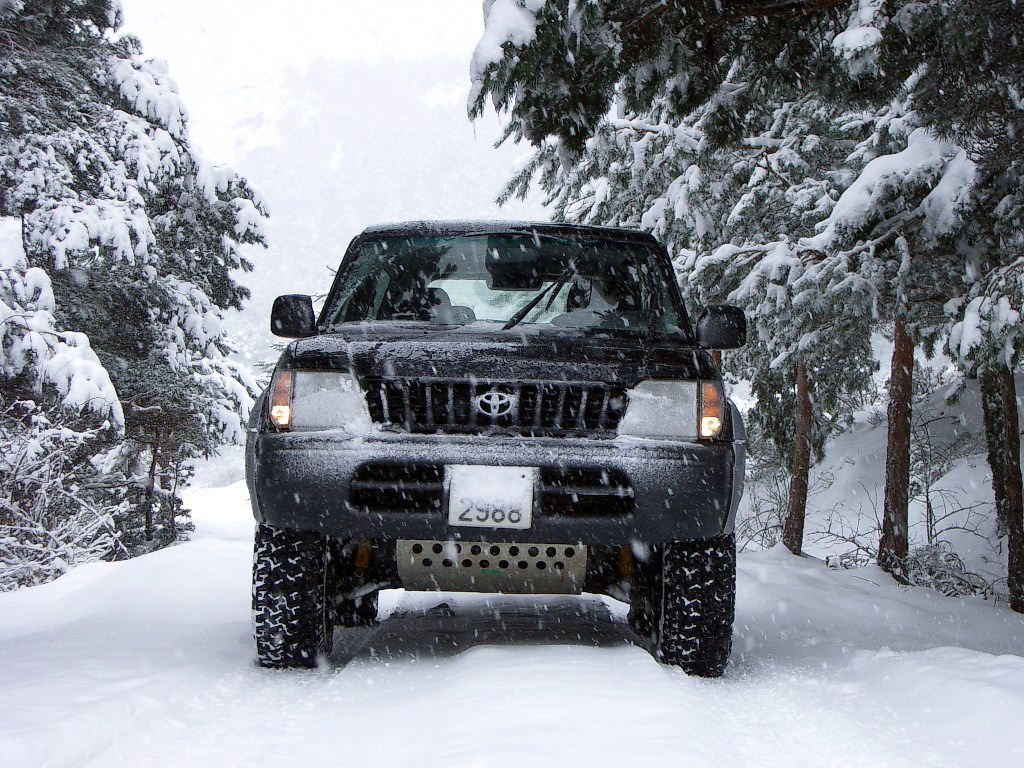 4WD on Snow Open Sky Touring Victorian High Country